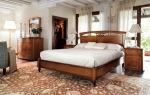 Изысканные спальни из массива: критерии выбора