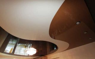 Двухцветный натяжной потолок: 4 главных особенности